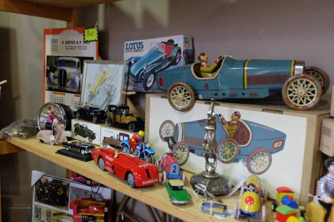 Choix varié de jouet tôle neuf