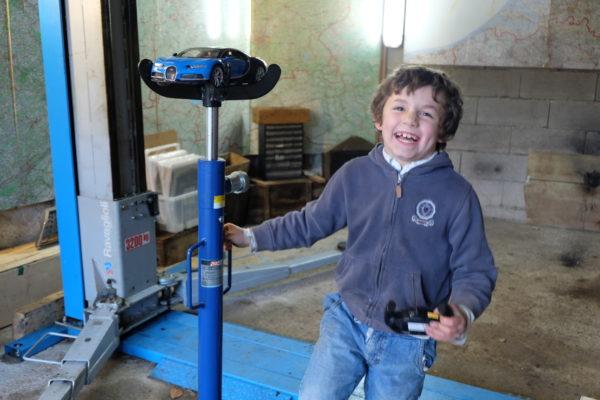 Ce qui distingue les adultes des enfants, c'est la taille de leurs jouets – Françoise Giroud