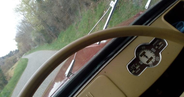 """""""Y'a que les routes qui sont belles Et peu importe où elles mènent."""" – JJ Goldman"""