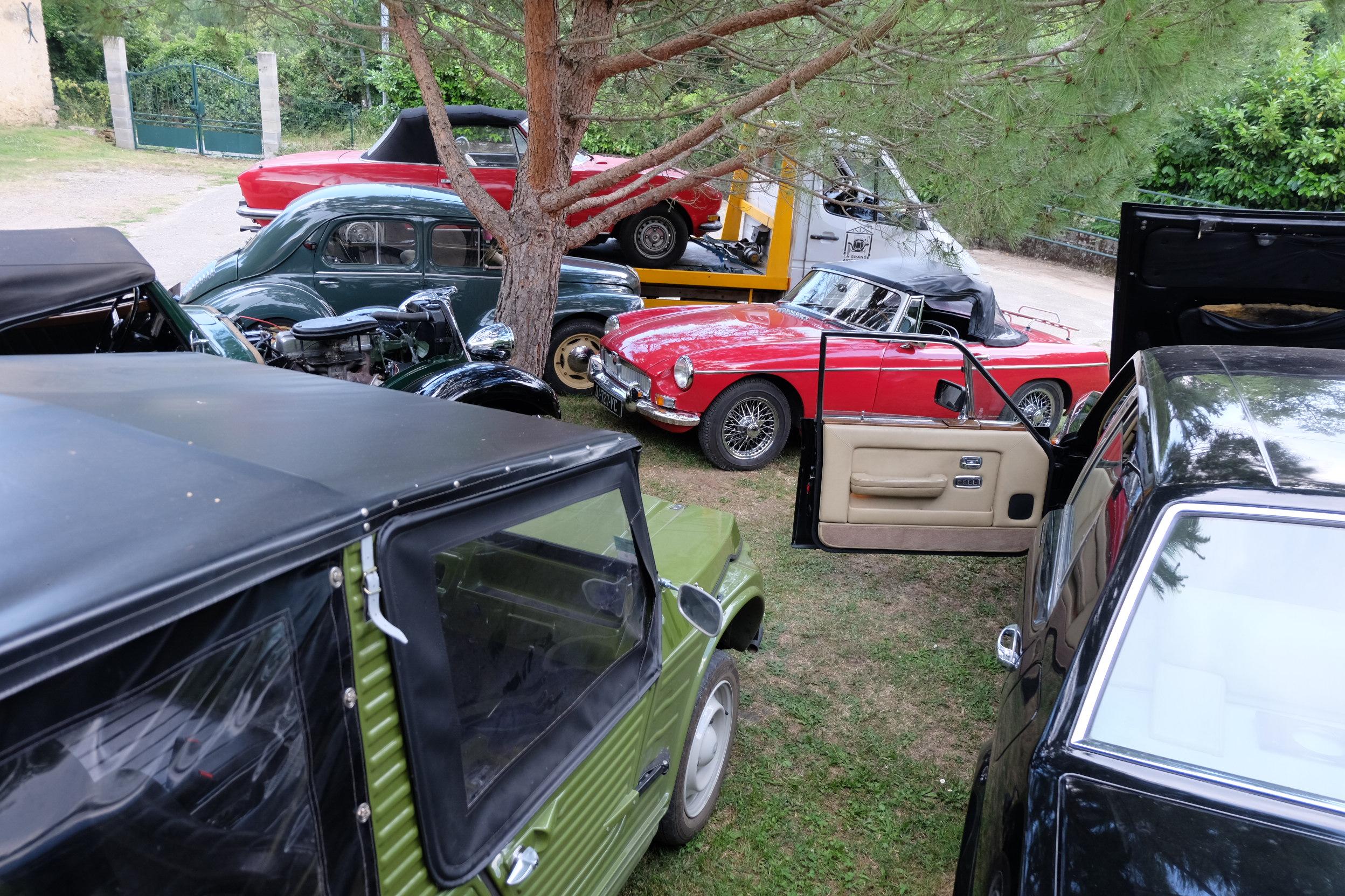 Parking de la Grange Ariègeoise un Vendredi en fin d'après midi